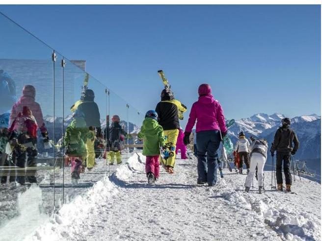 Covid, Merkel propone di chiudere le piste da sci in Europa fino al 10 gennaio