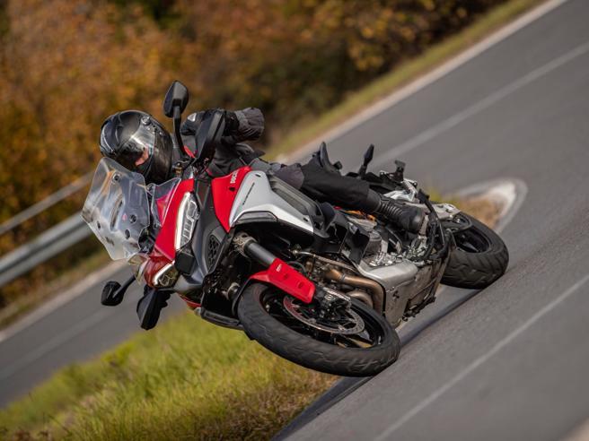Ducati Multistrada V4, il nostro test sulla moto con il radar | Il video della prova
