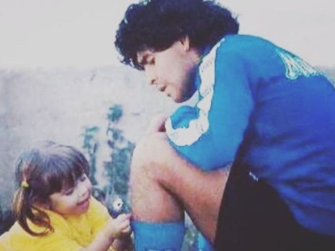 Morte Maradona, il messaggio della figlia Dalma: «Ti amerò e ti difenderò per tutta la vita»