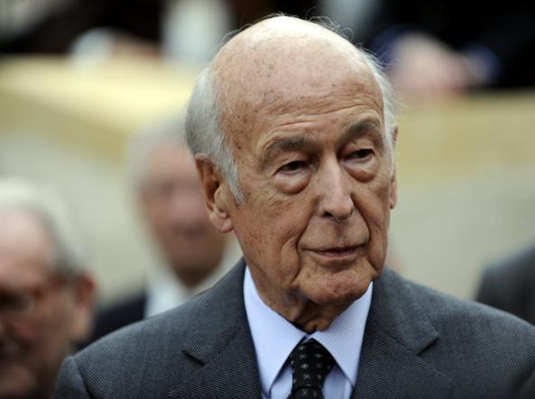 L'ex presidente della Francia, Covid Giscard d'Estaing, è morto all'età di 94 anni