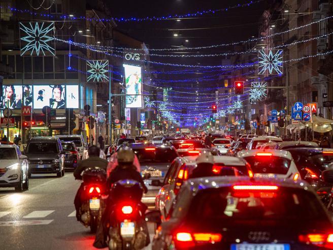 Nuovo Dpcm dicembre, spostamenti tra Comuni e Regioni tra Natale e Capodanno: tutte le regole
