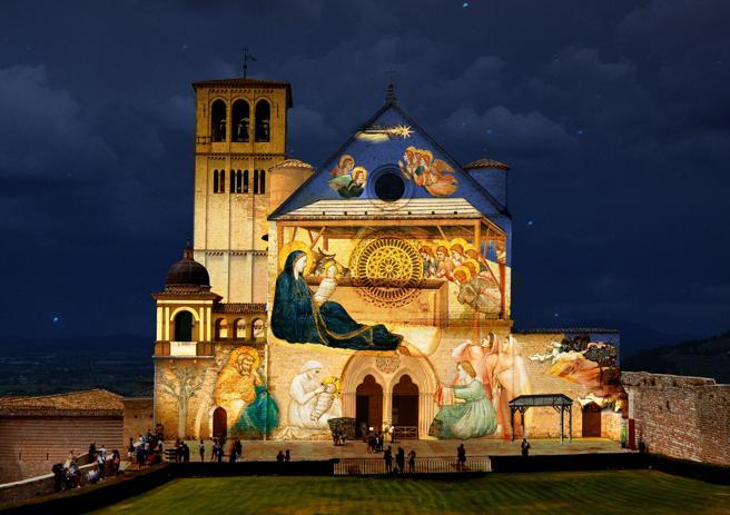 Assisi, per Natale la Basilica si «trasforma» in un Presepe di luci a cielo aperto