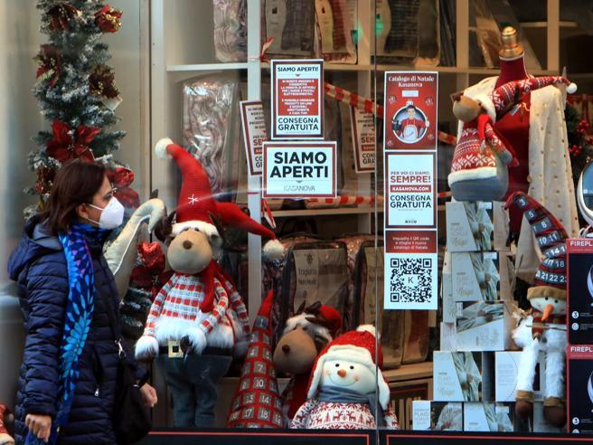Spostamenti, vacanze, pranzi e cenone: cosa possiamo fare a Natale   Nuovo Dpcm