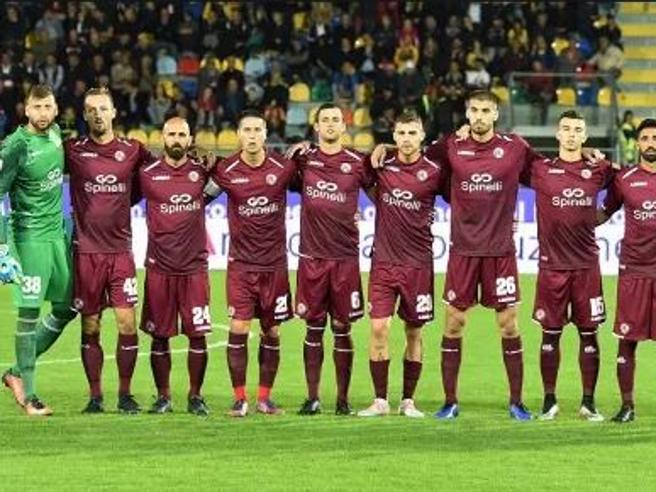 «La  società non paga»: il ristorante del Coni caccia i giocatori del Livorno