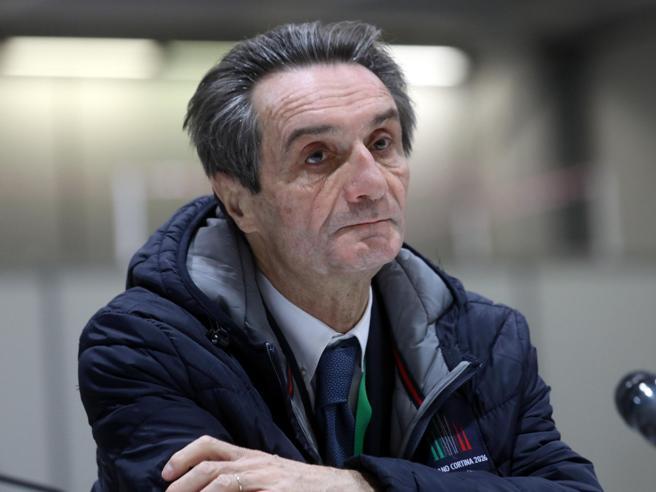 Fontana scrive ai pm: «Difficoltà nel reperire i vaccini, i miei dirigenti temono le inchieste»