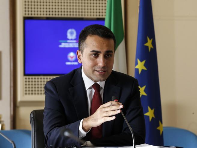 Di Maio all'attacco: «Il Paese ha bisogno di stabilità, non prestiamo il fianco ai detrattori»