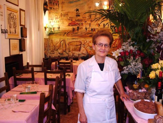 Elide Moretti: «Dalla cucina della mia trattoria solo piatti milanesi dal 1962»