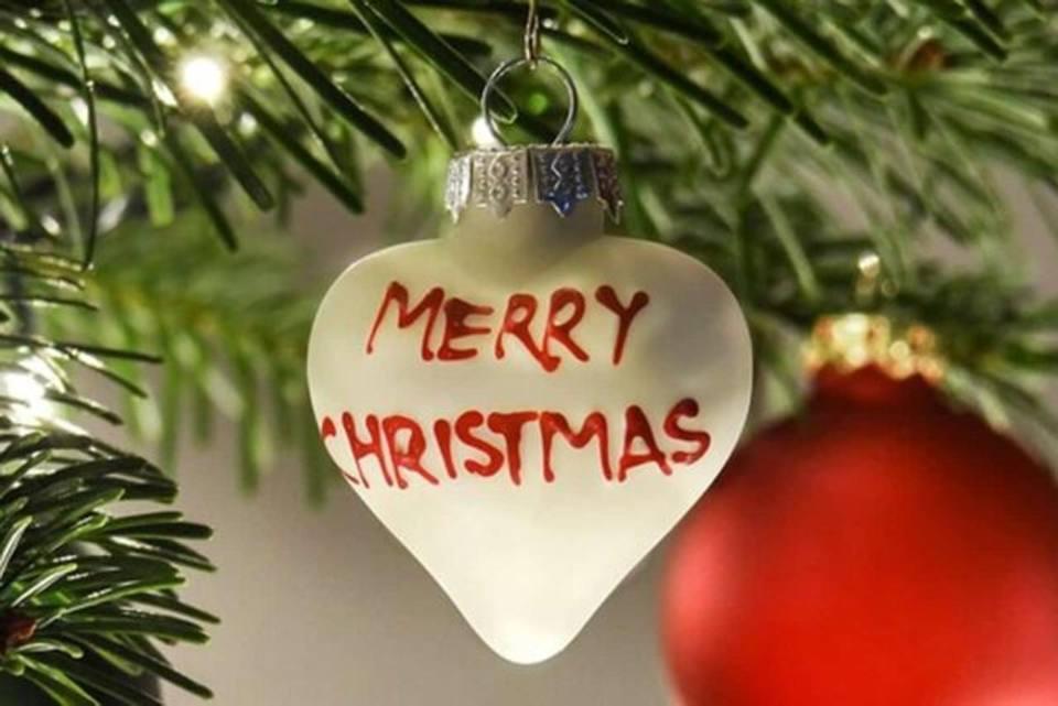 Auguri Di Buon Natale Jpg.Whatsapp Auguri Di Natale Da Inviare Ad Amici E Parenti Corriere It