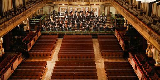 Riccardo Muti, storico concerto di Capodanno a Vienna senza pubblico e con applausi registrati