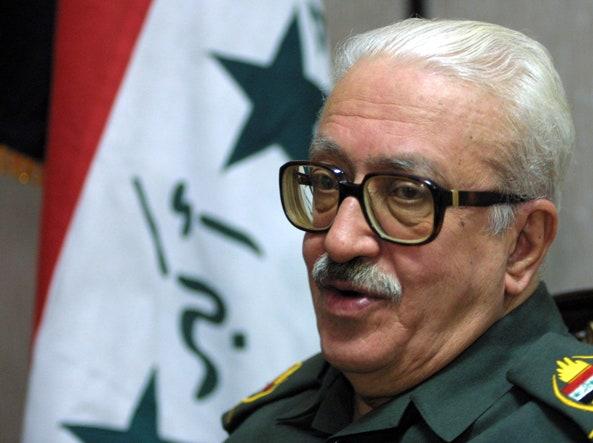 تارک عزیز ، وزیر امور خارجه صدام حسین ، که در سال 2015 در سن 79 سالگی در زندان در ناصریه درگذشت.  در تصویر زیر یک پسر 53 ساله ، زیاد تارک عزیز ، یک مهندس عمران زندگی می کند که در اردن زندگی می کند و در امارات متحده عربی کار می کند (عکس از گتی).