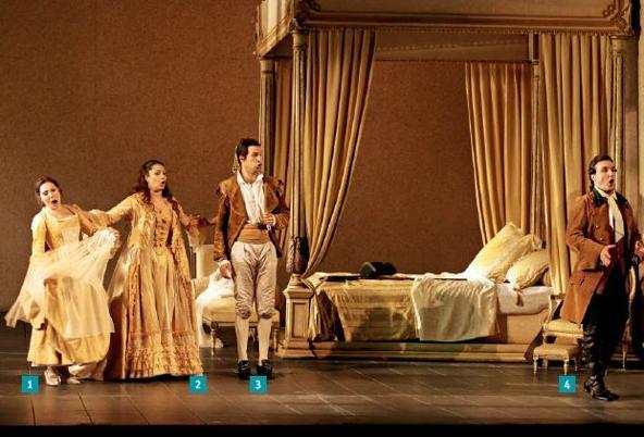 ازدواج فیگارو ، در اکتبر 2010 در اپرا باستیل ، پاریس روی صحنه رفت.  در صحنه چهار بازیگر اصلی: 1. اکاترینا سیورینا ، سوزانا.  2. باربارا فریتولی ، کنتس آلماویا ؛  3. لویی اینسر ، کنت آلماویوا ؛  4. لوکا پیسارونی ، فیگارو