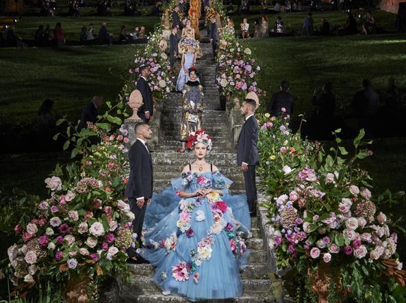 نمایش دولچه و گابانا آلتا مودا در سپتامبر 2020 در فلورانس.