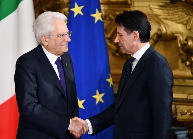 Crisi di governo, Mattarella chiede di fare in fretta: le tre strade per Conte