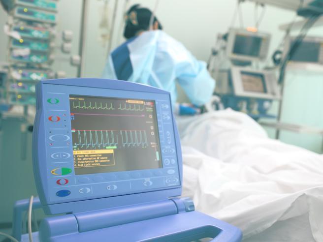 Covid, ecco cosa succede ai pazienti in terapia intensiva: il «manuale di orientamento» per i familiari