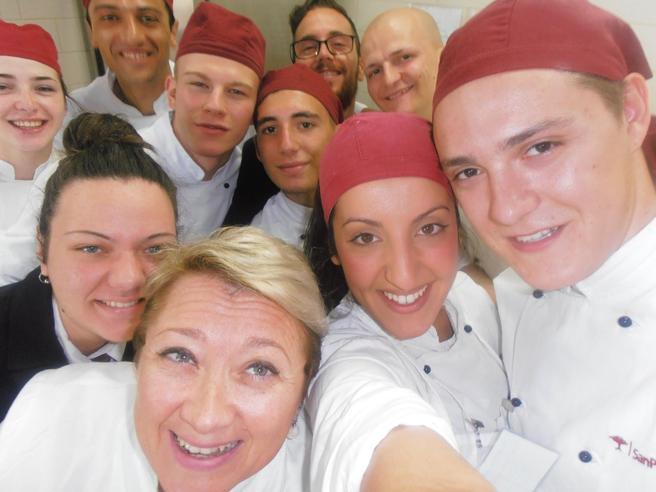La zia Cri: «Vi racconto la mia cucina con i ragazzi di San Patrignano: è una terapia»