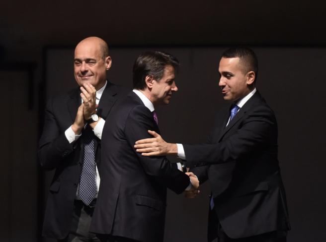 Governo Conte ter con i «responsabili»: la nuova linea del Pd