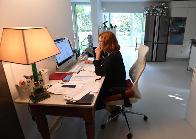 Lo smart working semplificato scade il 31 marzo. Senza deroghe si torna in ufficio