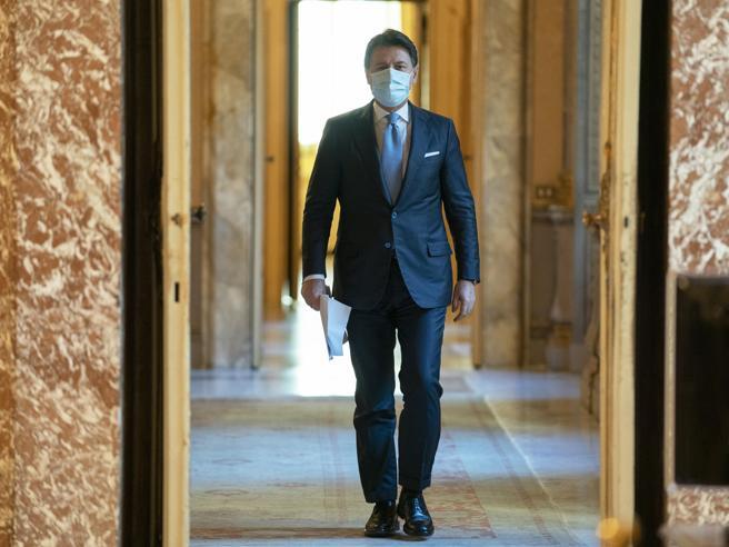 Crisi di governo, l'ora del giudizio: al Senato Conte punta a quota 157