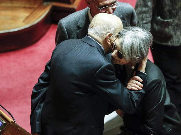 آنا فینوچیارو با جورجیو ناپولیتانو در مجلس سنا در سال 2017 (آنسا)