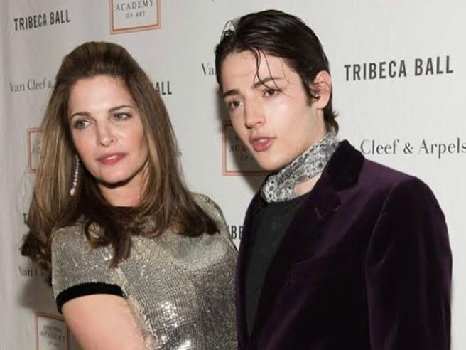 Harry Brant, morto a 24 anni il figlio di Stephanie Seymour: era il «piccolo Lord» del jet set di New York