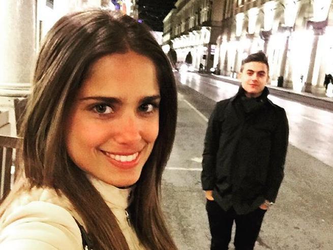 bisessuale, cantante in Argentina, nipote di Gabriela, influencer (con 5 milioni di follower)