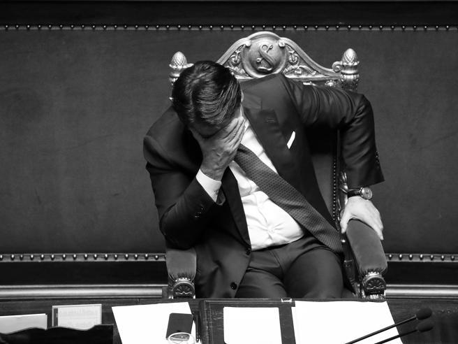 Le dimissioni di Conte, i numeri, le consultazioni e il ruolo di Mattarella: domande e risposte