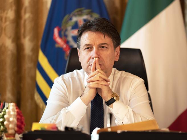 Conte ora non chiude a Renzi«Emerga chi ha a cuore il Paese»