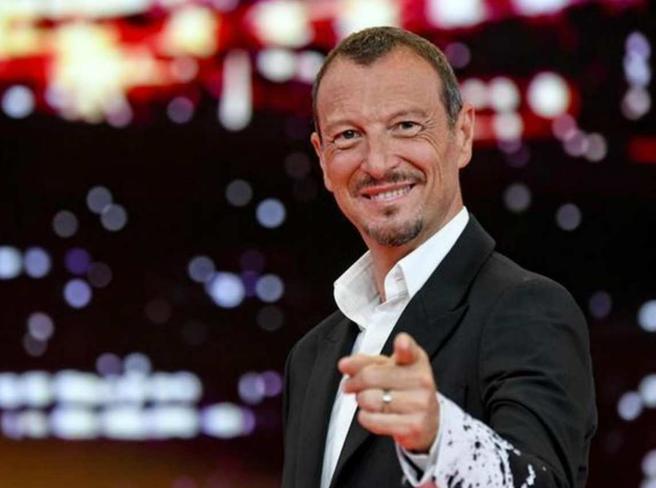 Sanremo,  Amadeus pronto a lasciare il Festival per il nodo dei figuranti