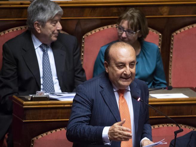 Luigi Vitali, il senatore di Forza Italia ritira il sostegno a Conte
