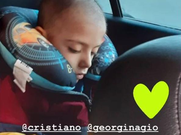 Cristiano Ronaldo and Georgina Rodriguez for Tomas: the donation for the child with cancer