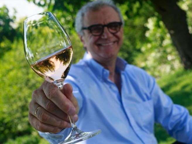Il vino di Mattia, la sfida (rosa) al tempo