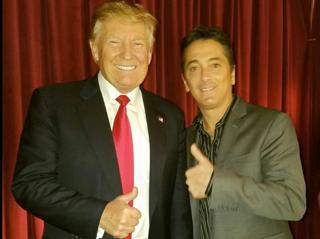 Scott Bayou con Donald Trump, quien es su gran partidario