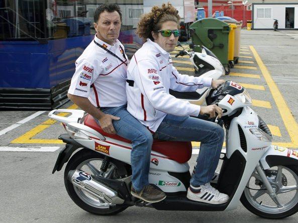 Fausto Gresini con Marco Simoncelli (Ansa)