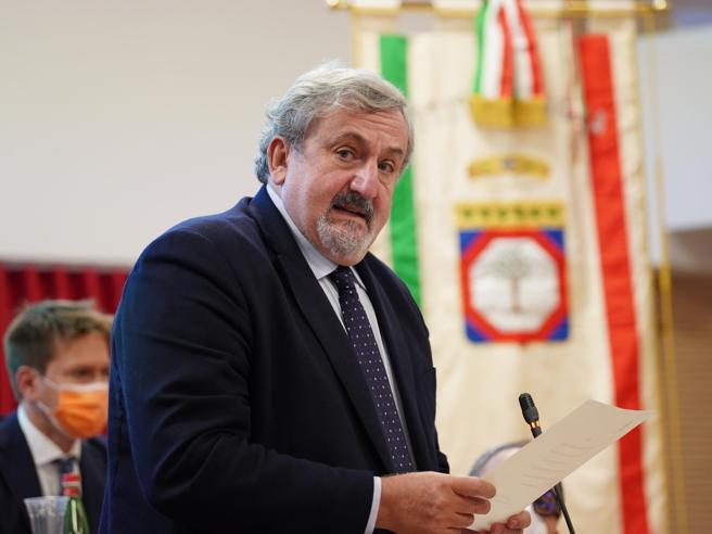 Puglia, il Tar dice di riaprire le scuole ma Emiliano le tiene chiuse