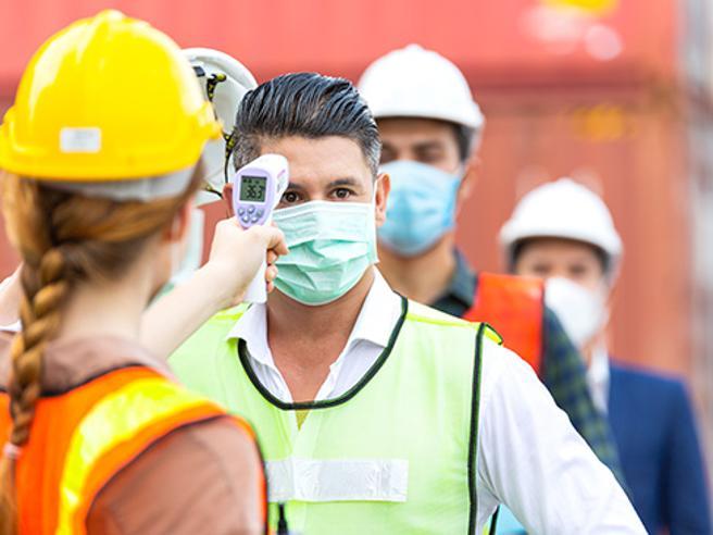 Covid e contagio in azienda: il dipendente che rifiuta il vaccino può essere licenziato?