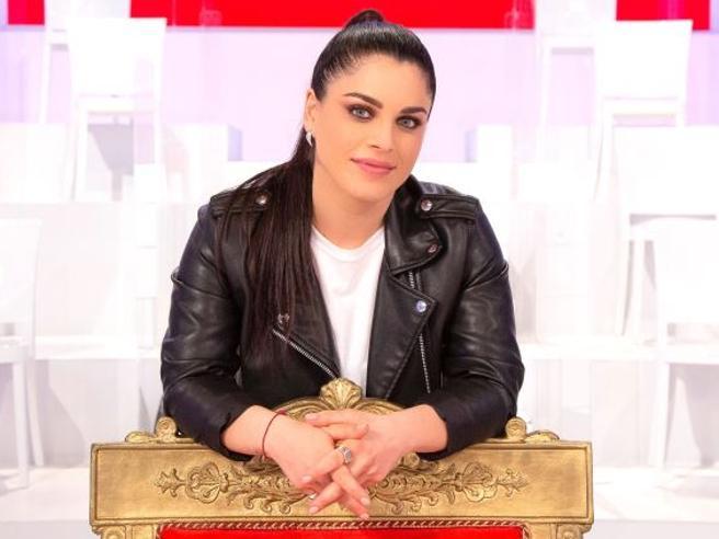 «Uomini e donne», arriva Samantha Curcio, la prima tronista curvy