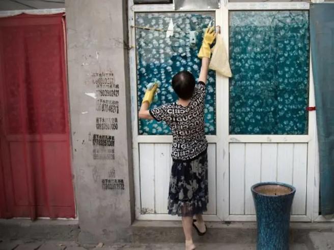 Cina, il tribunale di Pechino impone al marito di pagare i lavori domestici alla moglie