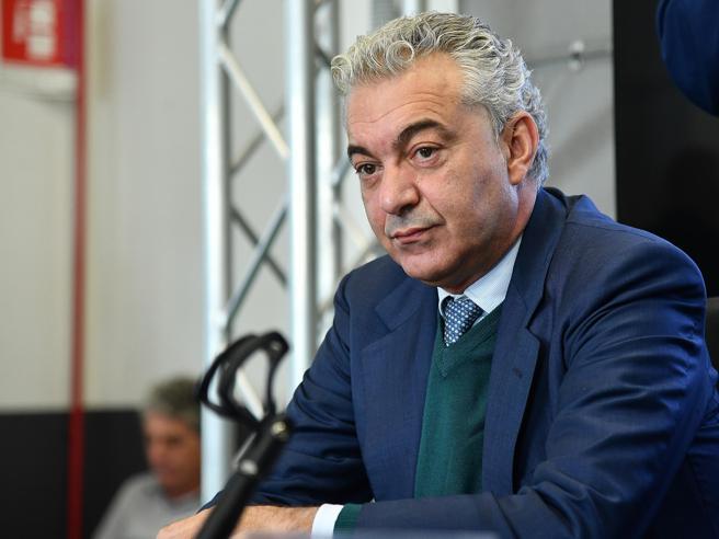 Domenico Arcuri non partecipa al vertice con Draghi: il depotenziamento del commissario