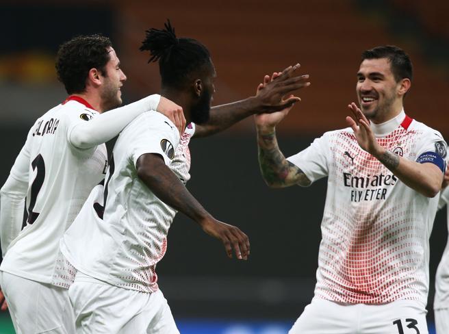 Serie A: dove vedere Roma-Milan, Inter-Genoa e le altre partite del weekend in tv e streaming