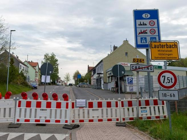 Covid e paura delle varianti, Berlino chiude le frontiere. Scontro con Parigi