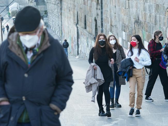 Il test choc sulle mascherine Ffp2. «Modelli quasi tutti non a norma»