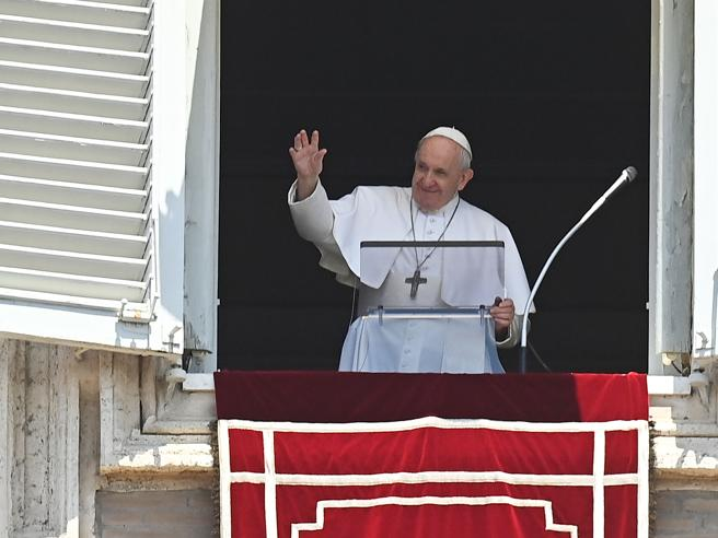 Papa Francesco, il libro: «Verrà un nuovo Diluvio se non cambiamo strada sul clima e i ghiacciai»