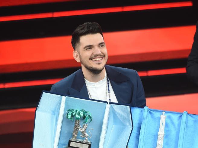 Gaudiano, il vincitore dei giovani che scrisse la canzone in treno poche ore dopo la morte del padre