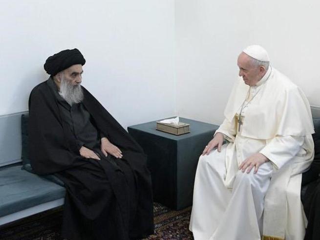 Il Papa  in Iraq, l'ayatollah Al Sistani a Francesco: «Pace e sicurezza per i cristiani»