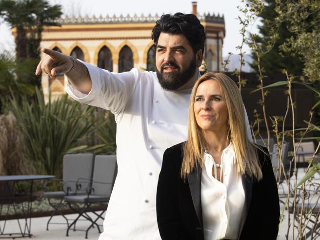 Antonino Cannavacciuolo: «Dopo il Covid rilancio: apro tre resort e un ristorante (al Sud)»
