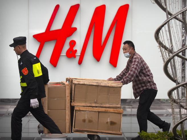 H&M sotto attacco a Pechino: ha denunciato (un anno fa) il trattamento degli uiguri