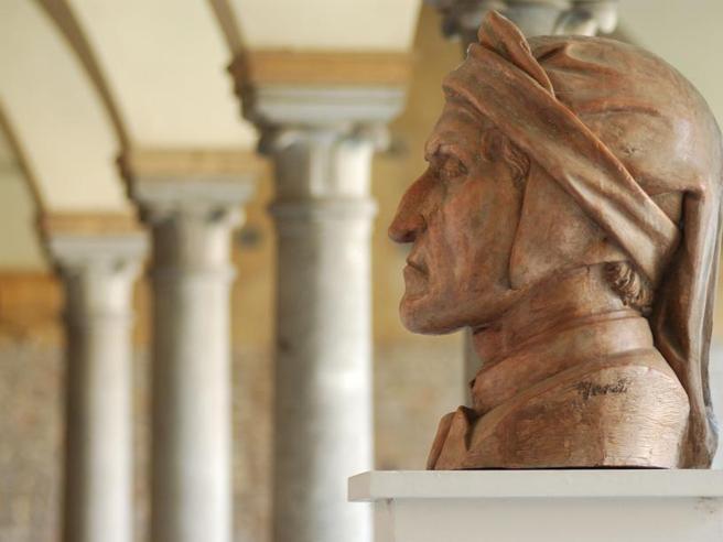 Dante, i tedeschi non lo infangano: storia (e bugie) di un blitz inventato