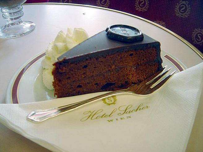 La torta Sacher perfetta, come farla secondo «The Guardian»