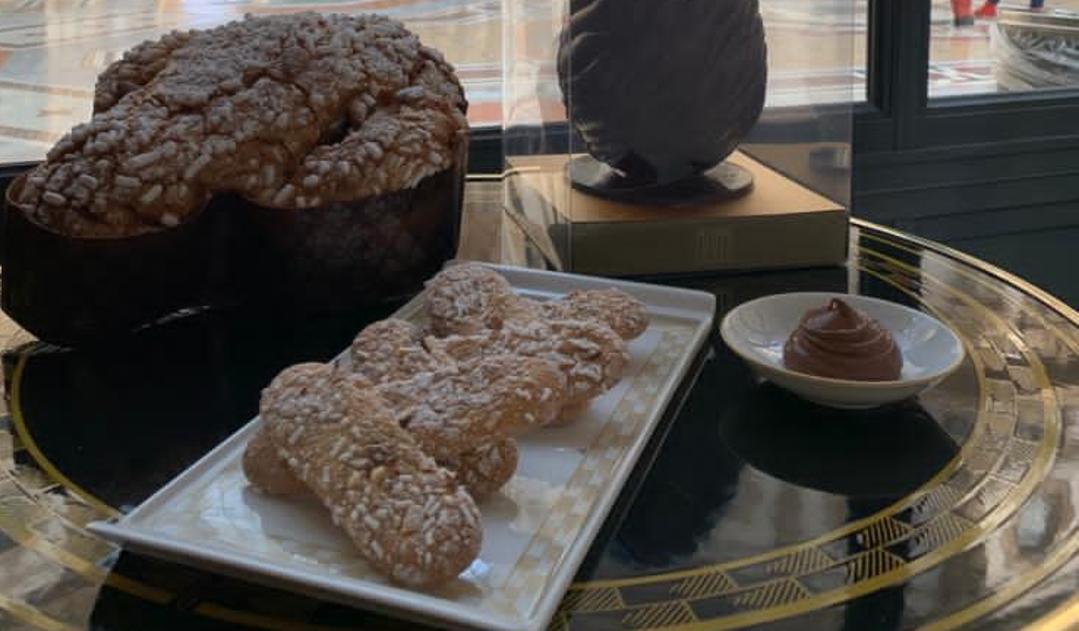 La ricetta dei biscotti al gusto «glassa della colomba» (con ganache al cioccolato in cui intingerli)