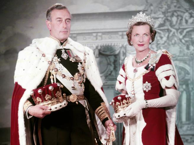 Lord Mountbatten, l'ultimo vicerè. All'asta i ricordi dell'uomo che spinse Filippo a sposare Elisabetta